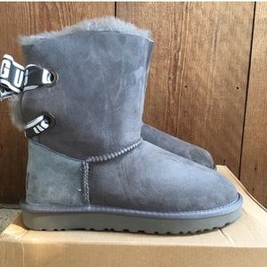 Ugg boots only worn to try with box